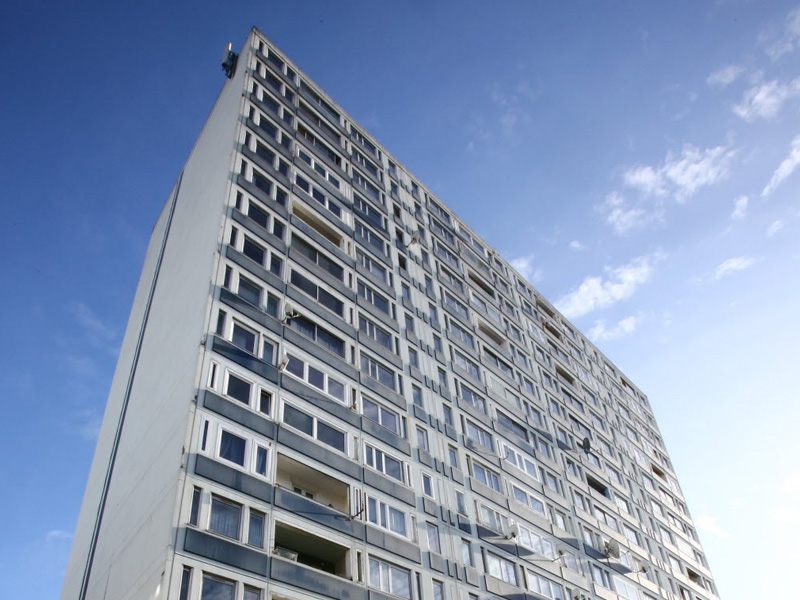 Curage des réseaux d'évacuation d'un immeuble de grande hauteur à Metz